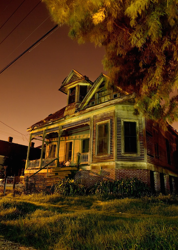 An example of Frank Relle's New Orleans haunted houses.