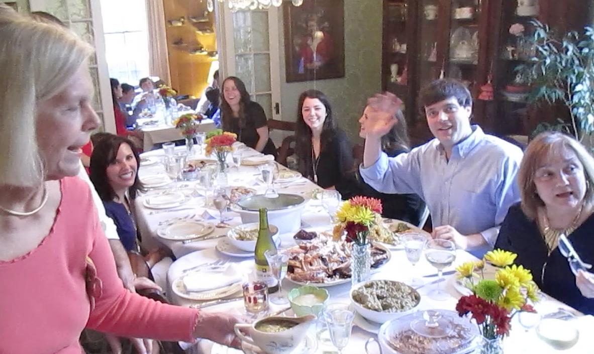 thanksgiving dining room tables
